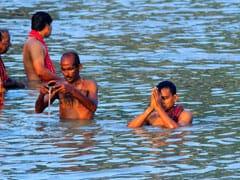 Ganga Dussehra 2020: COVID-19 के चलते गंगा दशहरे पर पहली बार यमुना में डुबकी नहीं लगा सके स्नानार्थी