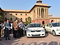 Ministry Of Finance Inducts 15 Mahindra e-Verito Electric Vehicles In Its Fleet; Opens 28 Charging Points At North Block