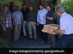George Bush Delivers Pizza To Unpaid Secret Service Agents Amid Shutdown