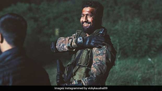 Flight Attendants Bake Cake For Vicky Kaushal To Celebrate <I>Uri</I> Success (See Pic)