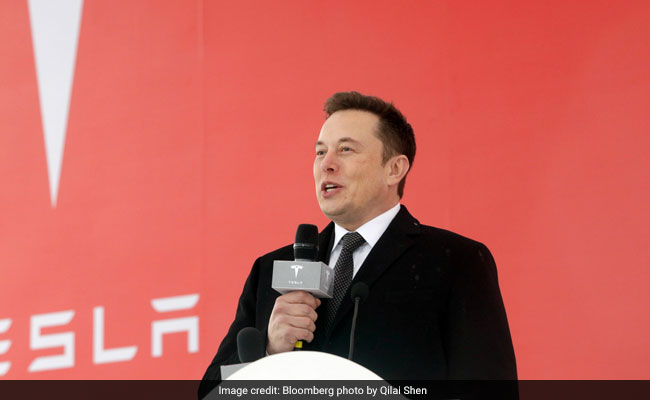 Tesla to close stores, take orders for a US$35,000 Model 3