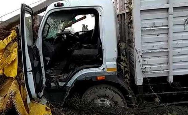 8 Killed After Truck Rams Into Huts In Uttar Pradesh
