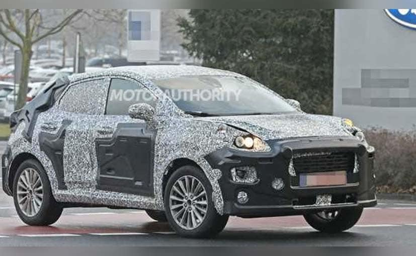 The 2022 Ford Ecosport looks like a baby Porsche Macan in silhouette.