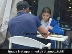 टीम इंडिया से दूर विराट कोहली दिखे अनुष्का शर्मा के साथ, रेस्टोरेंट में इस तरह आए नजर
