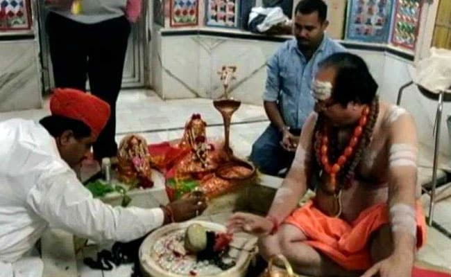 Rajasthan's Only Muslim Minister Prays At Shiva Temple
