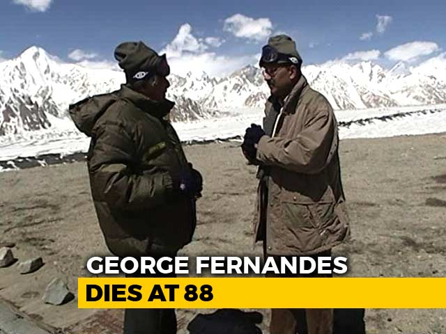 Video : Walk The Talk With George Fernandes (Aired: June 2003)