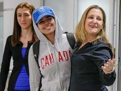 "Saudi Teen Who Fled Her Family Welcomed As ""Brave Canadian"" In Toronto"