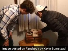 Hilarious Viral Video Shows 17-Year-Olds Struggling With Rotary Phone