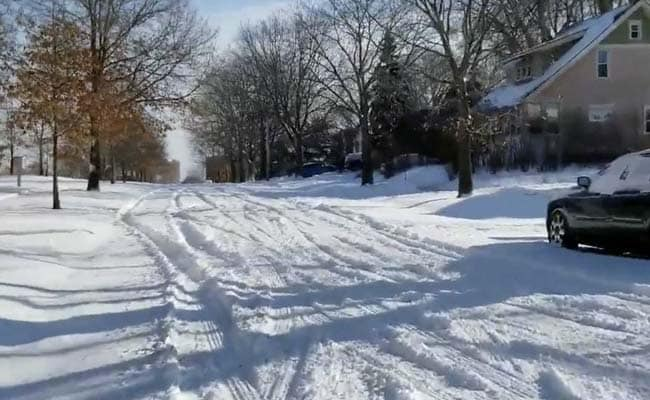 Brrr, big chill hits US Midwest, United States News & Top Stories