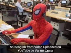 बैंकर बना Spider-man, रिज़ाइन के बाद की ऐसी हरकत, Video देख रोक नहीं पाएंगे हंसी