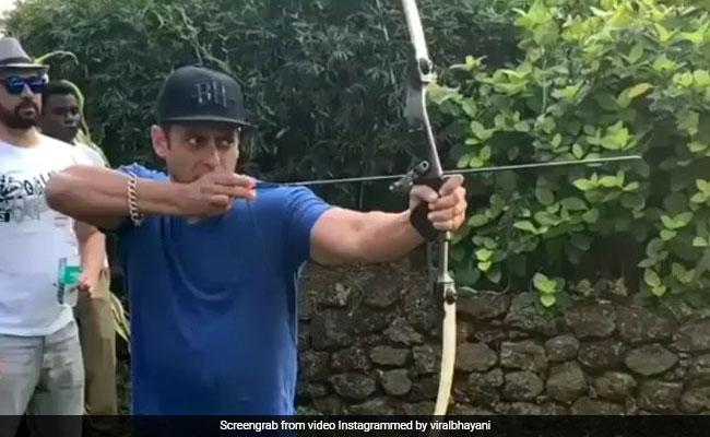सलमान खान ने मारा ऐसा तीर जो निशाने पर लगा सटीक, Video देख हो जाएंगे हैरान
