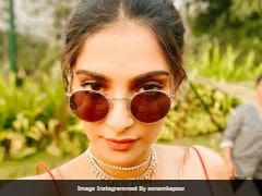 Sonam Kapoor Is Making Goa Look So, So Stylish. Here's How Husband Anand Ahuja Reviewed Her Look