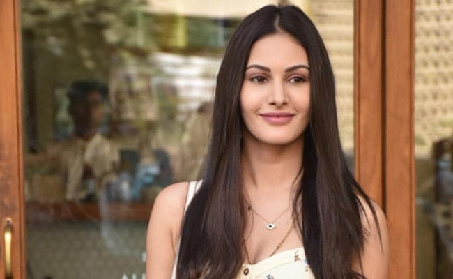 Amyra Dastur's Dress Will Make You Want To Channel Some Floral Vibes Too
