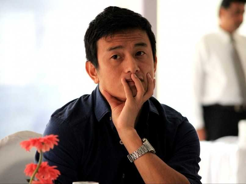 Bhaichung Bhutia Auctions Two Jerseys To Fight Polls In Sikkim