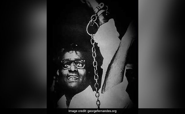 George Fernandes' Emergency-Era Portrait On Display During Final Prayers