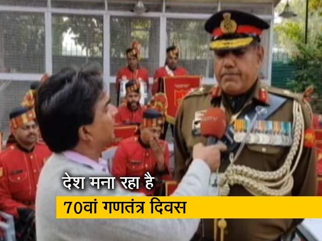 Video : परेड में पहली बार इंडियन नेशनल आर्मी के जवान
