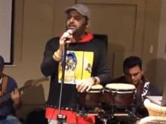 कपिल शर्मा बन गए सिंगर, इमोशनल अंदाज में गाया- दो लफ्जों की है दिल की कहानी...देखें Video