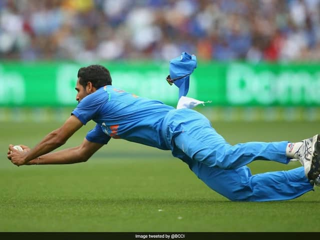 India vs Australia: Wtach A Brilliant Catch By Bhubaneswar Kumar In The 35th Over Of Australia Innings