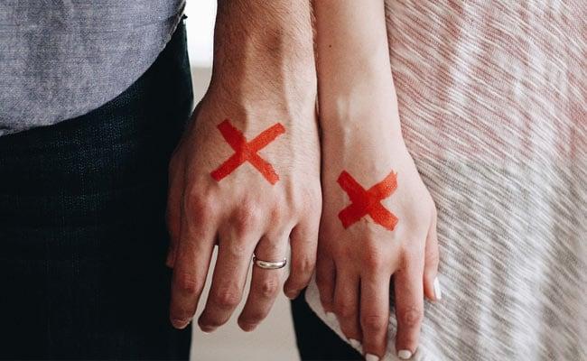 पति के लगातार मनाने पर भी नहीं मानी पत्नी, कोर्ट ने पति को दी तलाक की अनुमति