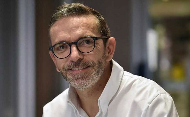 French Chef Who Returned Michelin Stars Stunned, Can't Get Rid Of Them