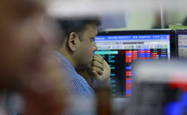 Sensex Drops Over 350 Points From Day's High Amid Choppy Trade