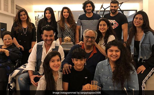 Sanjay Kapoor's Latest Post Featuring Sonam Kapoor, Janhvi, Khushi, Arjun And Others Is All About Sibling Love