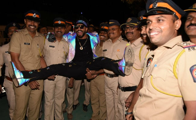 Vaani Kapoor On Ranveer Singh Being Trolled For Pic With Cops: 'It's A Norm'