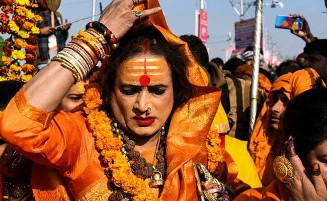 Kumbh Mela 2019 Quiz: किन्नर अखाड़ा की प्रमुख का नाम क्या है?