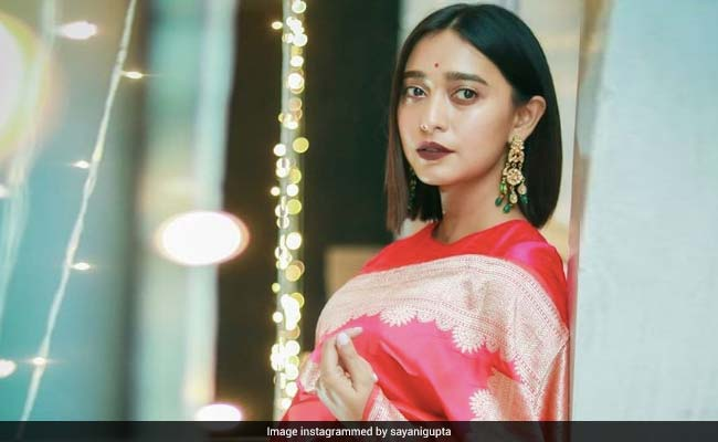 Sayani Gupta Reveals Film With SRK Got Her The 'Final Approval' For Bollywood From Her Mom