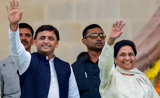 प्रियंका की एंट्री से गरमाई यूपी की राजनीति, BJP को बड़ा घाटा, सपा-बसपा नें कांग्रेस को दिया 14 सीटों का ऑफर-सूत्र