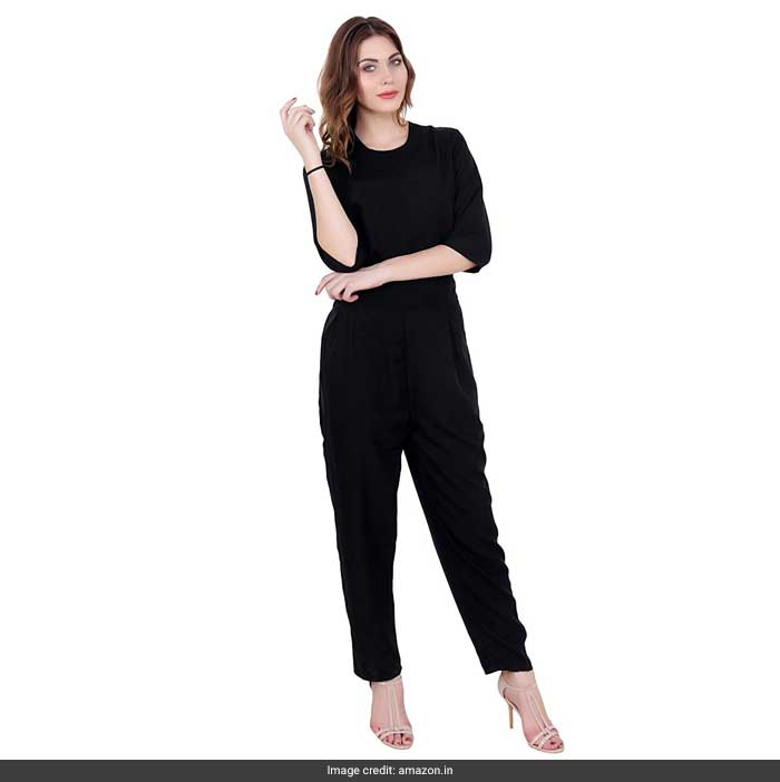 adf0f3c38786 Sunny Leone s Black Jumpsuit Will Surely Make You Want To Get One Too