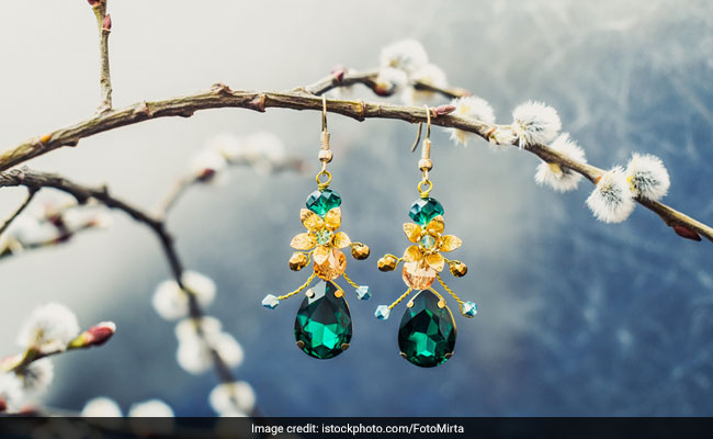 5 Gorgeous Emerald Earrings That You Will Absolutely Love