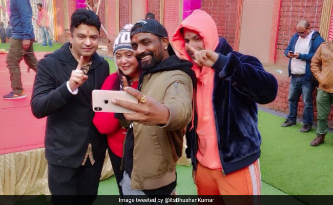 Varun Dhawan Starts Shooting For Remo D'Souza's 'Biggest Dance Film' In Amritsar