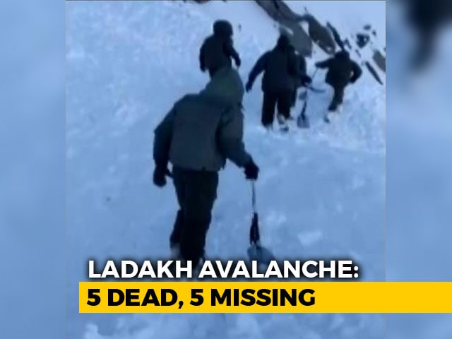 Video : 5 Dead, 5 Trapped As Avalanche Hits SUV In Khardung La Pass, Ladakh