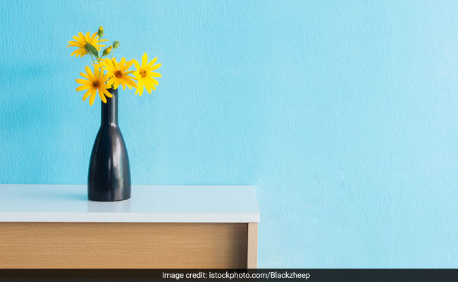6 Flower Vases That Will Surely Liven Up Your Room