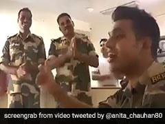 """Jawan Sings <i>""""Sandese Aate Hain""""</i>. Arvind Kejriwal Retweets Viral Video"""