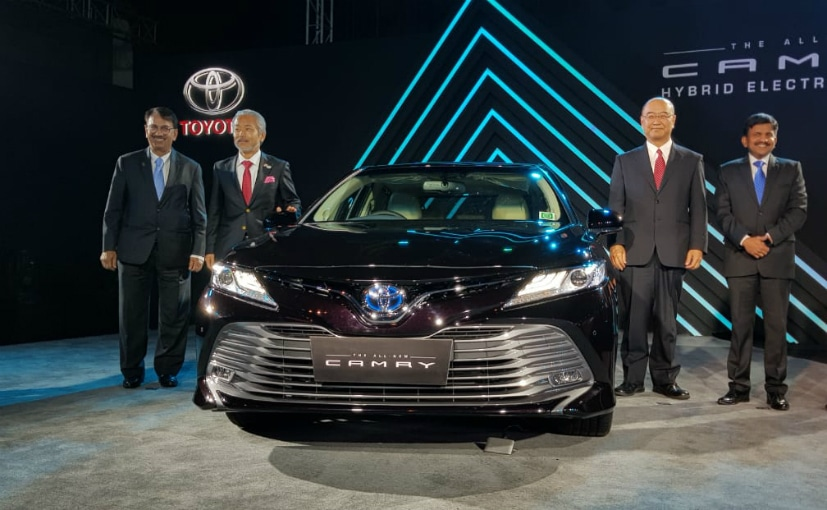 Avalon Vs Camry >> Toyota Camry Hybrid 2019 Launched In India: Priced At Rs. 36.95 Lakh - CarandBike