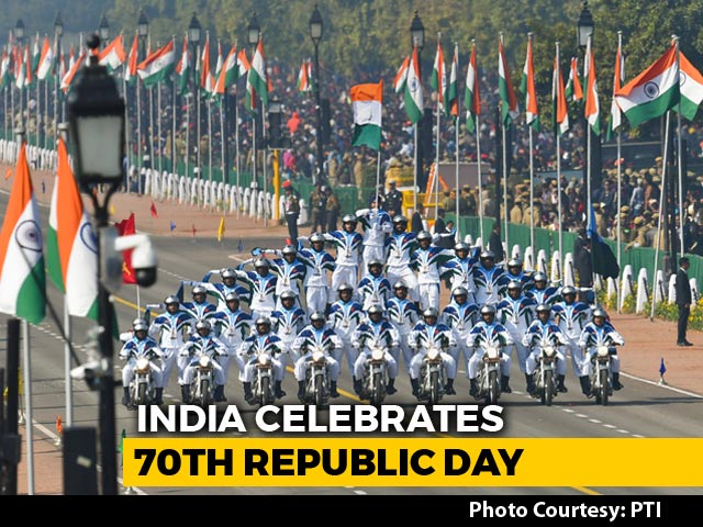 Video : Watch: Army's Spectacular Motorcycle Stunt Show At Republic Day Parade