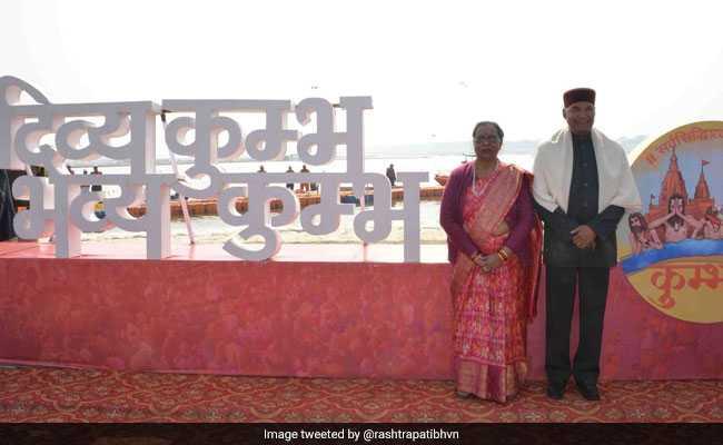 Kumbh 2019: संगम तट पर पत्नी संग रामनाथ कोविंद ने की पूजा, राजेंद्र प्रसाद के बाद कुंभ जाने वाले बने दूसरे राष्ट्रपति