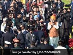 PM Ends Republic Day Celebrations With A Walk On Rajpath To Greet People