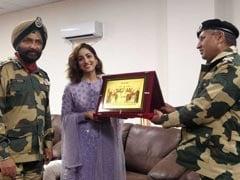यामी गौतम को  BSF के वरिष्ठ अधिकारियों ने किया सम्मानित, फिल्म 'उरी' का धमाल जारी