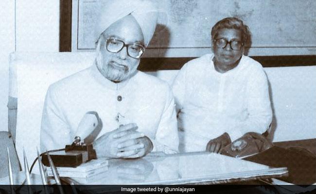 Budget: जब मनमोहन सिंह ने सुनाई शायरी, बजट के दौरान ऐसे दिखे वित्त मंत्रियों के अंदाज