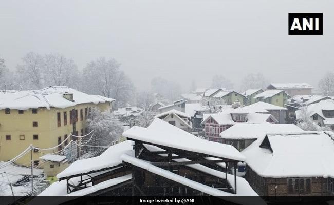 ये है हुस्न पहाड़ों का, जम्मू-कश्मीर से लेकर हिमाचल तक बर्फबारी, देखें VIDEO