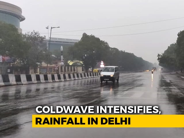 Video : Delhi Sees Rain On First Sunday Of 2019, With Temperature Taking A Dip