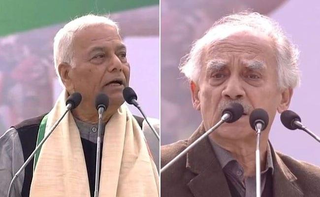 ममता के मंच से मोदी सरकार पर बरसे पूर्व बीजेपी नेता यशवंत सिन्हा और अरुण शौरी, विपक्ष से एकजुट रहने की अपील की