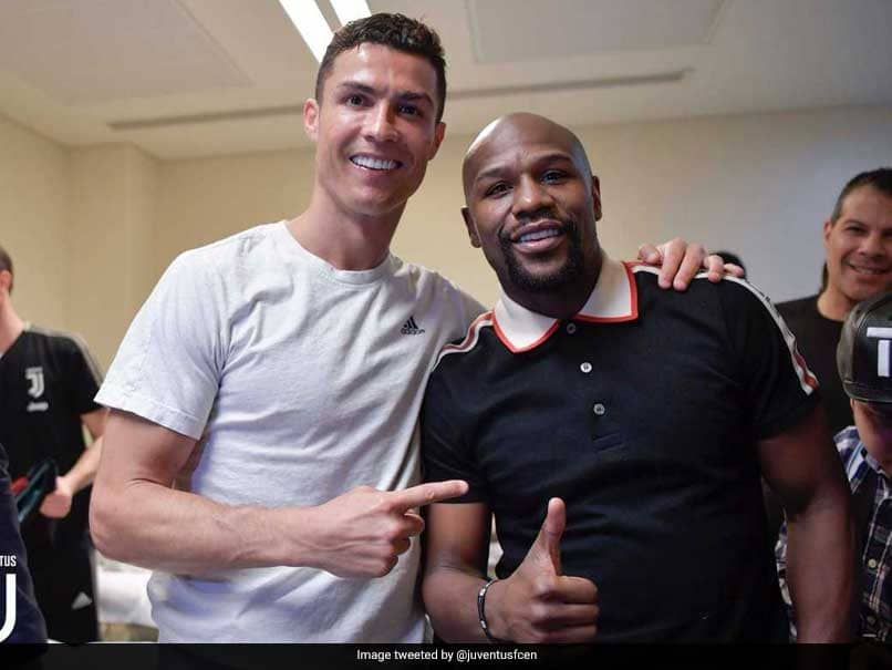 """""""Champions Celebrating With A Champion"""": Cristiano Ronaldo Celebrates Italian Super Cup Victory With Floyd Mayweather"""