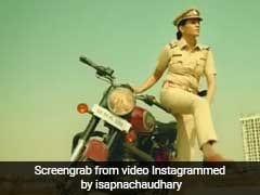 सपना चौधरी बनीं धांसू पुलिस ऑफिसर, बुलेट से उतरकर यूं की गुंडों की पिटाई... देखें Video