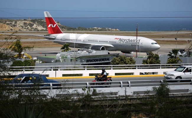 Russian Jet's Arrival Fires Up Venezuelan Social Media Amid US Sanctions