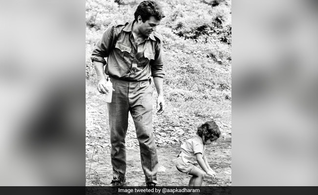 Dharmendra Thanks Fans For 'Loving' Birthday Wishes For Son Bobby Deol With This Throwback Pic