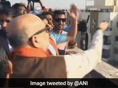 मकर संक्रांति पर सियासी पतंगबाजी: अमित शाह ने लड़ाए पेंच तो जिग्नेश ने कसा प्रधानमंत्री पर तंज, लिखा- मोदी जी आपकी पतंग कटने वाली है